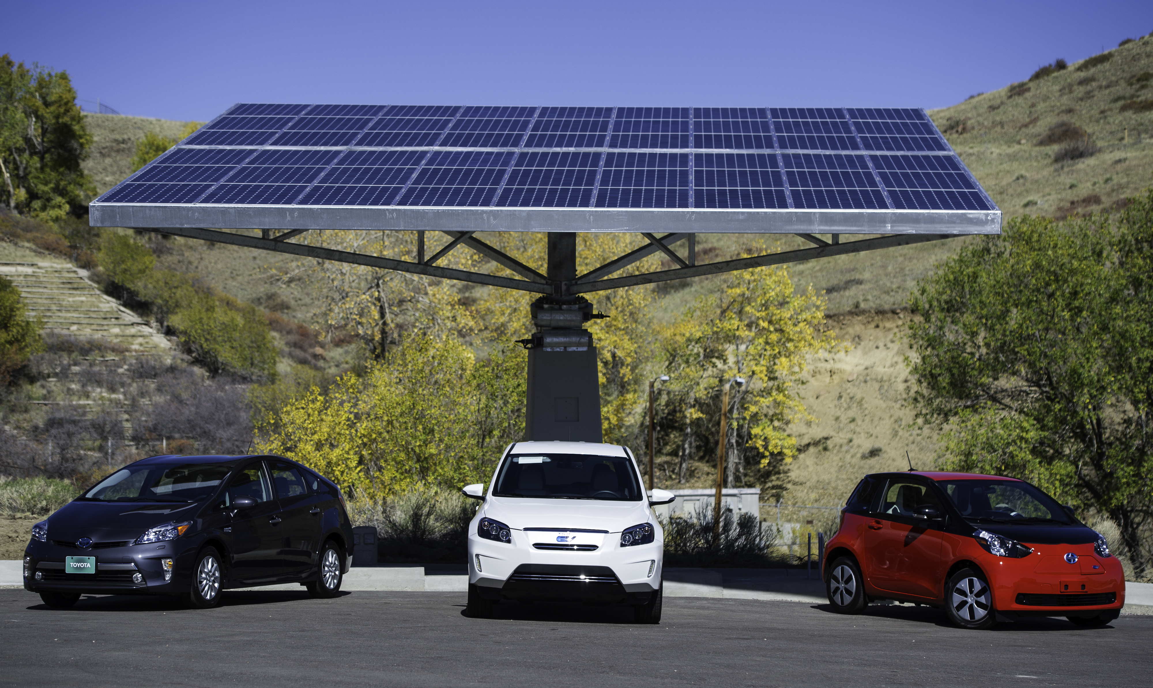 Autonomous Electric Vehicles The Real Monopoly Utility Killer Solar Panel Car Toyota Microgrid Media