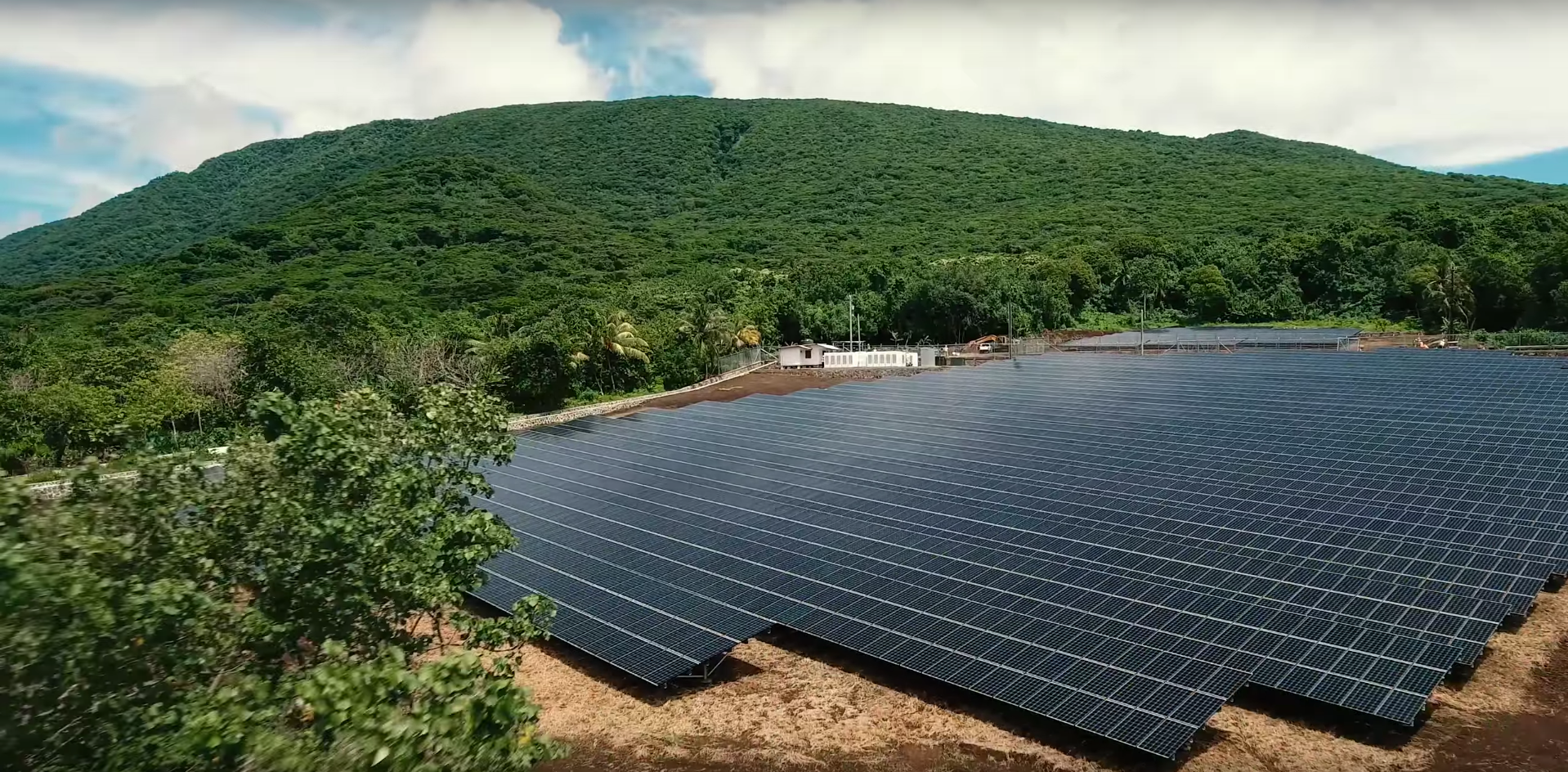 In Island microgrid with solar and energy storage from Tesla and SolarCity